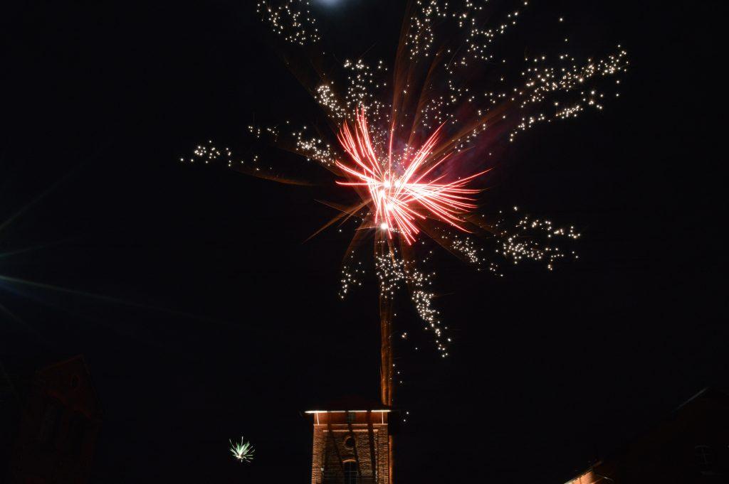 Tschüss altes, hallo neues Jahr! | colorfulPYRO
